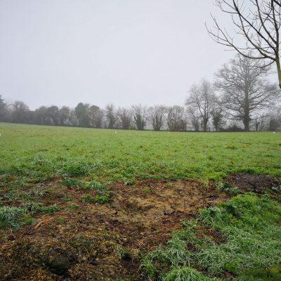 Terrain à bâtir en lotissement : Ce terrain se trouve au Nord d'Angers sur la commune de Thorigné (à 2 mn du Lion d'Angers). Située dans le centre-ville, cette parcelle dispose de toutes les commodités. Parcelle, viabilisée, de 410 m2 orientée sud-ouest Nombreuses possibilités de construction, plain-pied ou étage... Projet envisageable à partir de 270 000 €. Exemple d'enveloppe budgétaire pour la réalisation d'une Maison BATIBAT sur un terrain sélectionné auprès de notre partenaire foncier (sous réserve de disponibilité) Pour plus de renseignements, contactez Philippe NEBOUT au 06.03.31.10.09